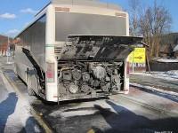 Požár autobusu ve Velkých Karlovicích