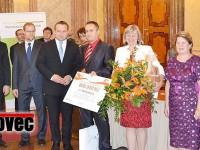 Do Prahy jela spolu se starostou Petrem Laštovicou (v červené košili) i místostarostka Jana Plevová (vedle něj vpravo).