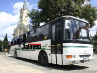 Romské děti ničí autobusy