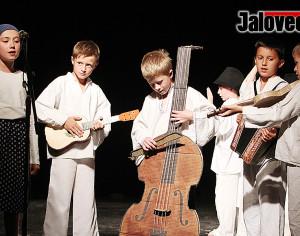 FOTOGALERIE: Škola z Luhu slavila v liďáku padesátiny