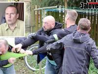 Do Karlovic musela zase policie a záchranka – na fotbale praskaly kosti