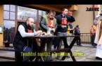 VIDEO: Soutěž v pojídání jitrnic – Kateřinský jarmark Hovězí 2017