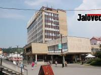 Budova radnice stále tikající bombou