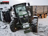 Traktorista pil a boural – Dodávka neměla proti 20 tunám šanci