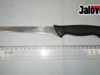 Rožnov děsil šílenec s nožem. Strážníci museli použít obušek