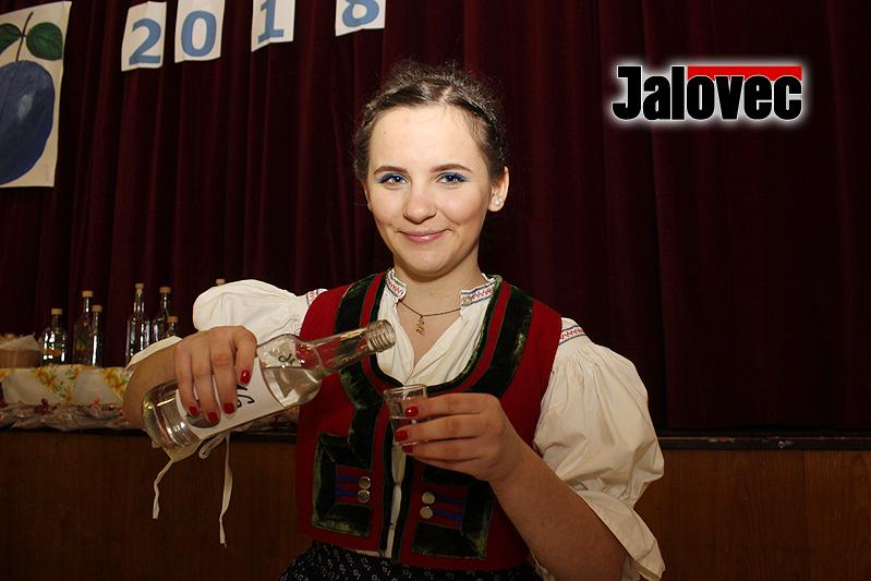 V Leskovci se sice koštovalo i zelí, prim ale patřil slivovicím. Foto Jiří Koňařík