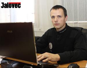 Šéf strážníků Pecina: Vytěsníme z ulic autovraky!