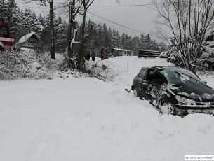 Ledovka trápila řidiče. Valmez: Přes 3 promile za volentem